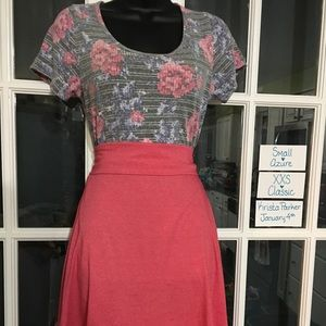 OUTFIT! Lularoe Xxs Classic T and Sm. Azure Skirt